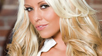 Blonde Promoting Bartending Jobs In Baton Rouge Image - The Penthouse Club