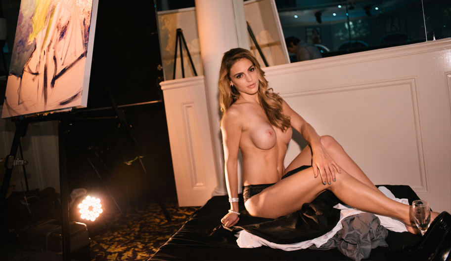 Nude Model Posing For Photo, Strip Clubs, Baton Rouge - The Penthouse Club